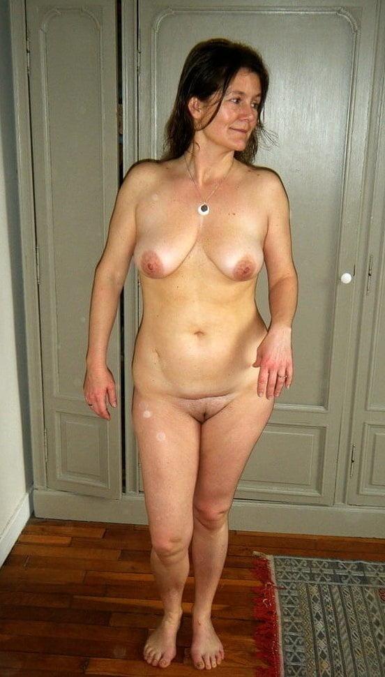 Mature Ladies 2810 - 24 Pics