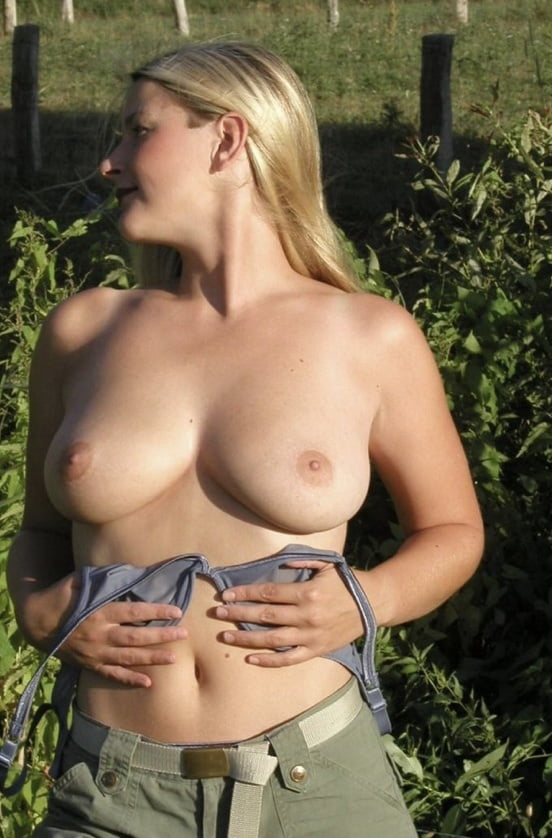 Blonde Milf Stripping Outdoors- 6 Pics