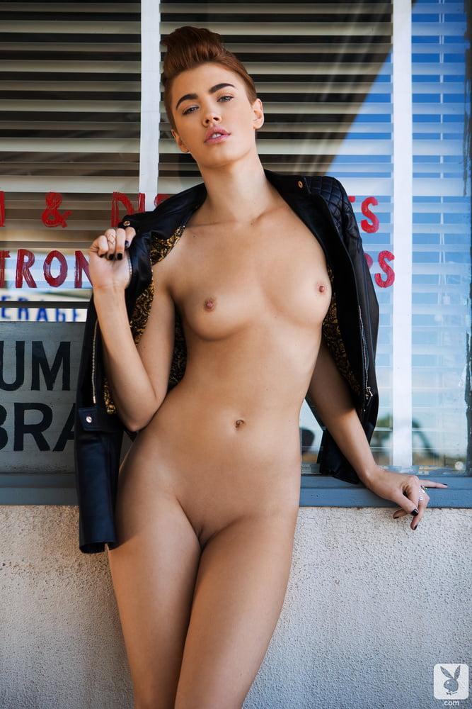 Britt Linn Pussy