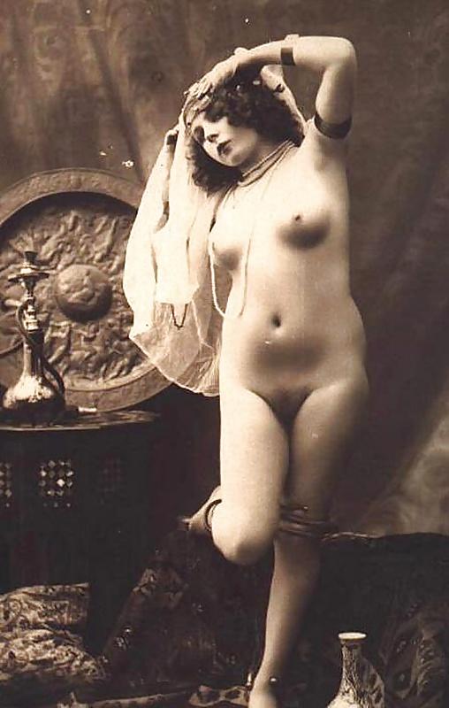 дореволюционные черно-белые старинные эротические фото - 11