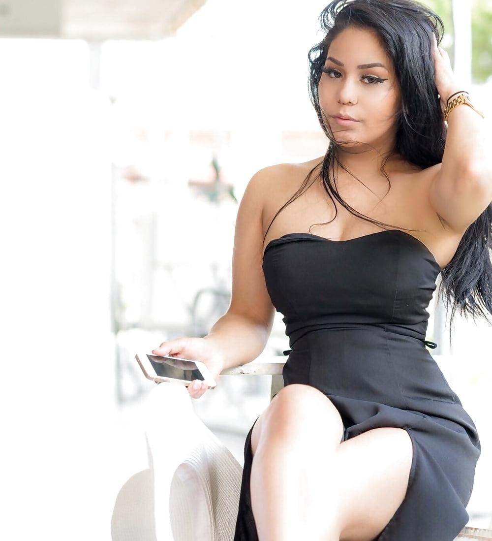latinos-seks-video-gruppovuha-konchit-v-anal-videoroliki-kopeechka