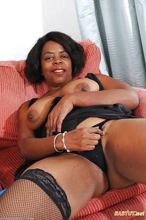 Mature female black porn