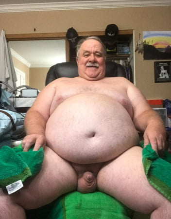 Fat naked dude