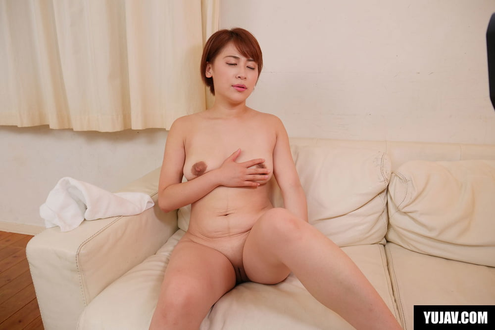 Japanese Mom Getting Kinky With a Hard Cock - 28 Pics