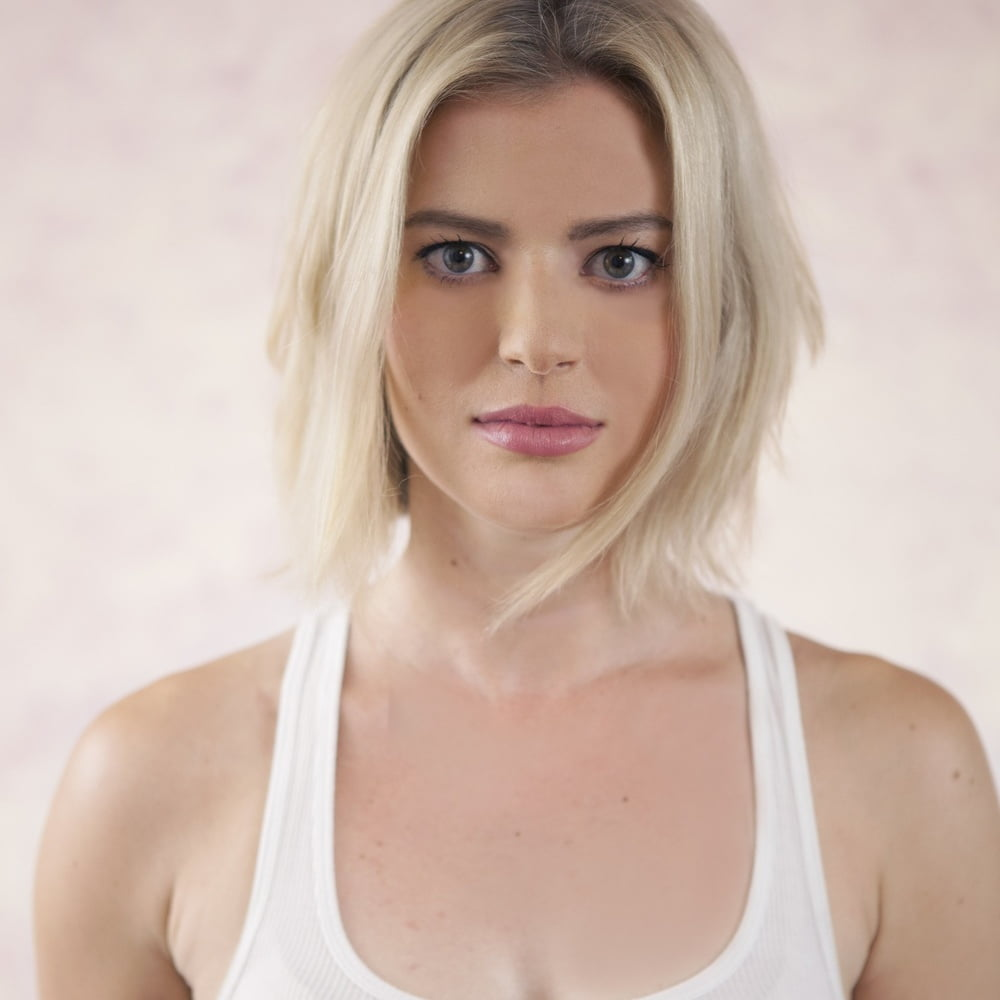 elyse willems sexy