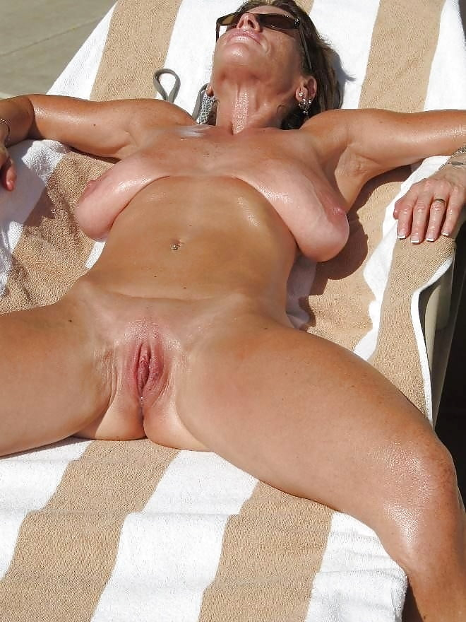 Naked mature gallery-9346