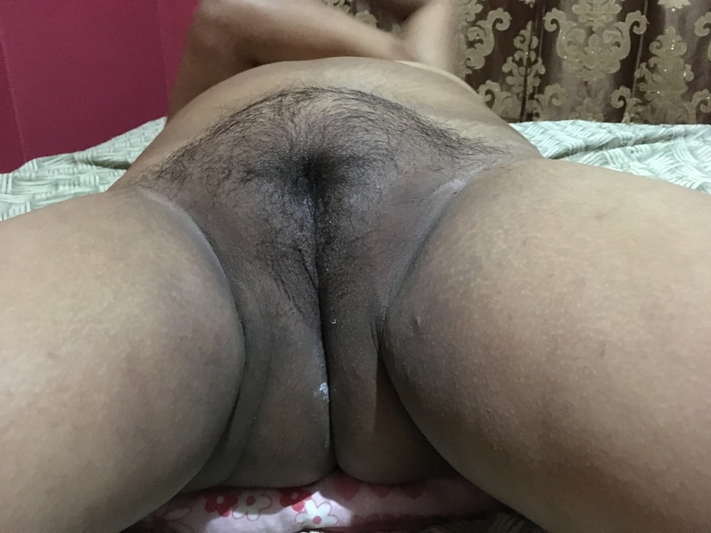 Sri lankan hairy pussy close up nude girls pictures