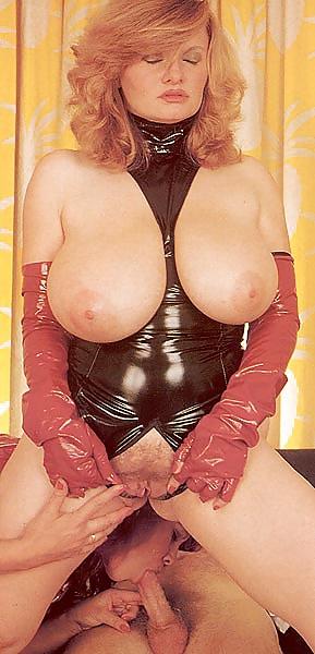 Vintage Busty Mature Ffm Threesome - 14 Pics - Xhamstercom-6387