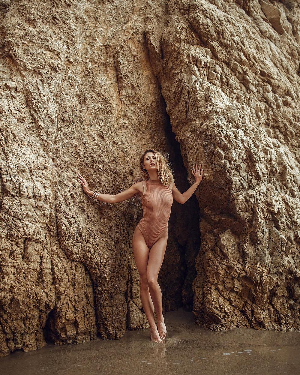 Nude fiona erdmann Fiona Erdmann