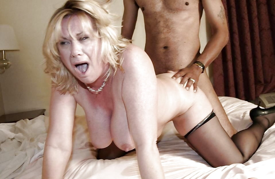 Screaming mature fuck movies — pic 3
