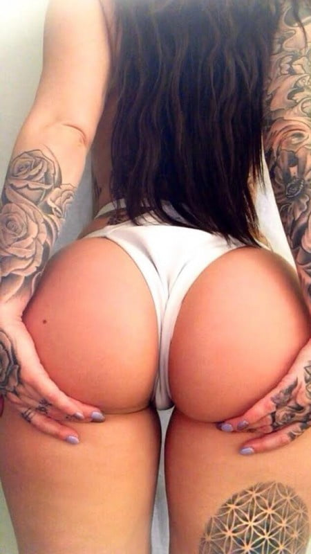 video-naked-big-booty-chick-with-tattoos-chinese-girl