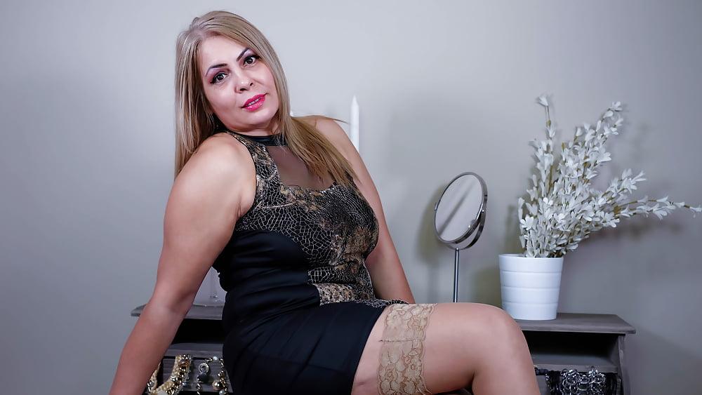 Cougar porn black-4949