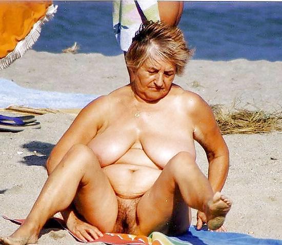 Muchacha de servicio gorda desnuda - 2 part 8