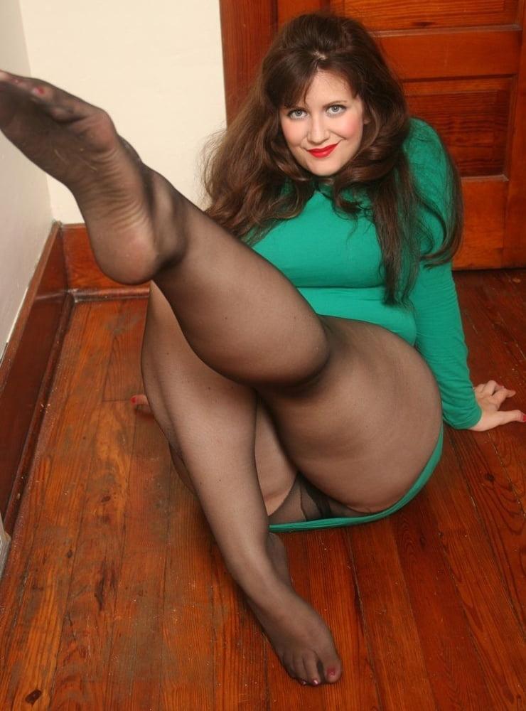 Mature pantyhose nude pics latina — img 1