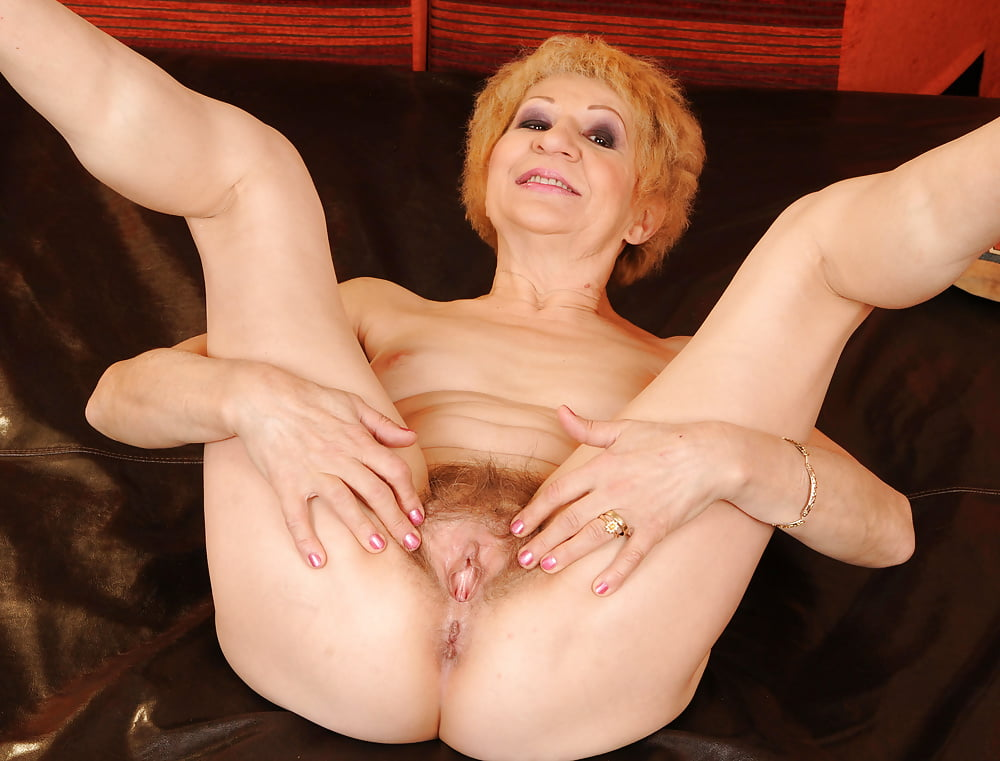 Mature old spreading nude #6