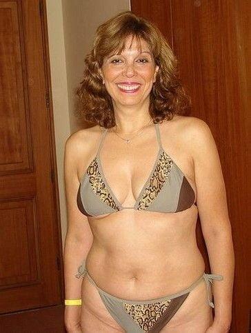 Nude mature female pics — img 1