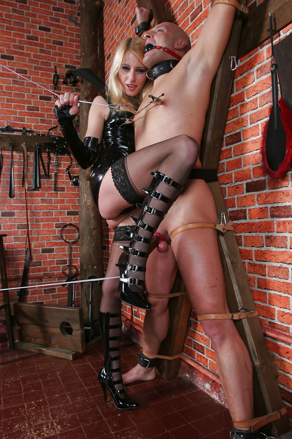 Pain Loving Slave Girls Tied Up And Toyed Public Bdsm