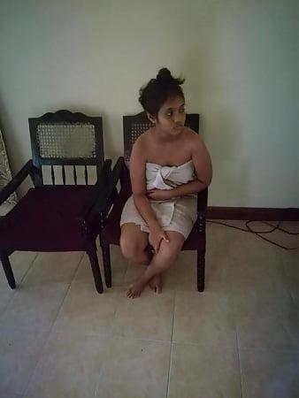 sri lankanaked teen girl