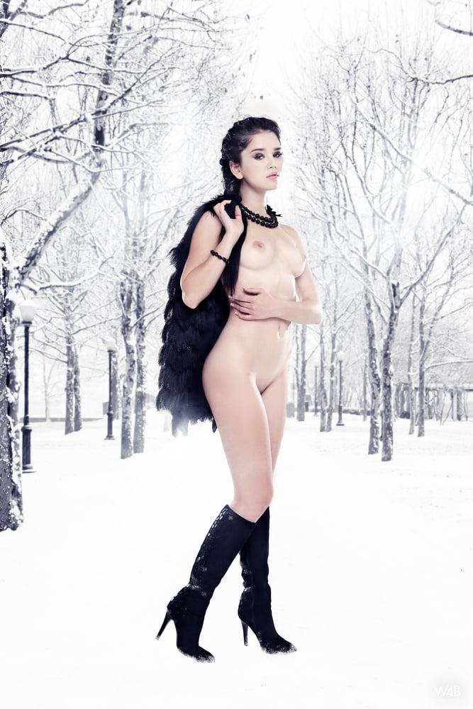 Winter Wonderland 051 - 10 Pics