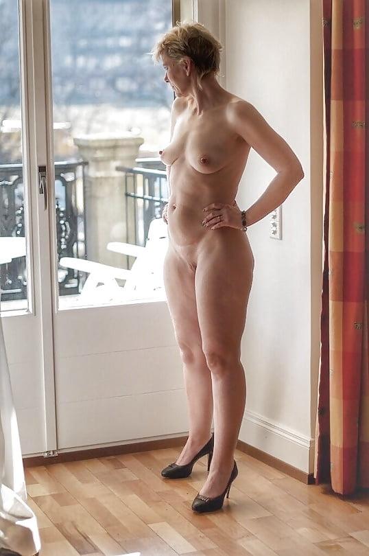full-figure-nude-mature