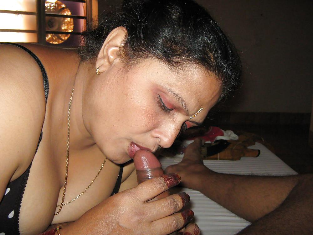 Indian nri aunty has sex with the young boyfriend