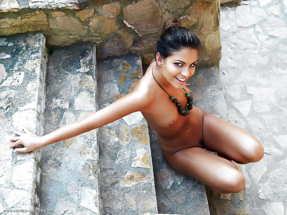 Errotica Archives Angelina Indian Assoass 1