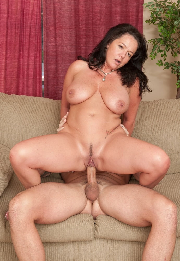 Beautiful middle age woman getting fucked, mature moms vs young