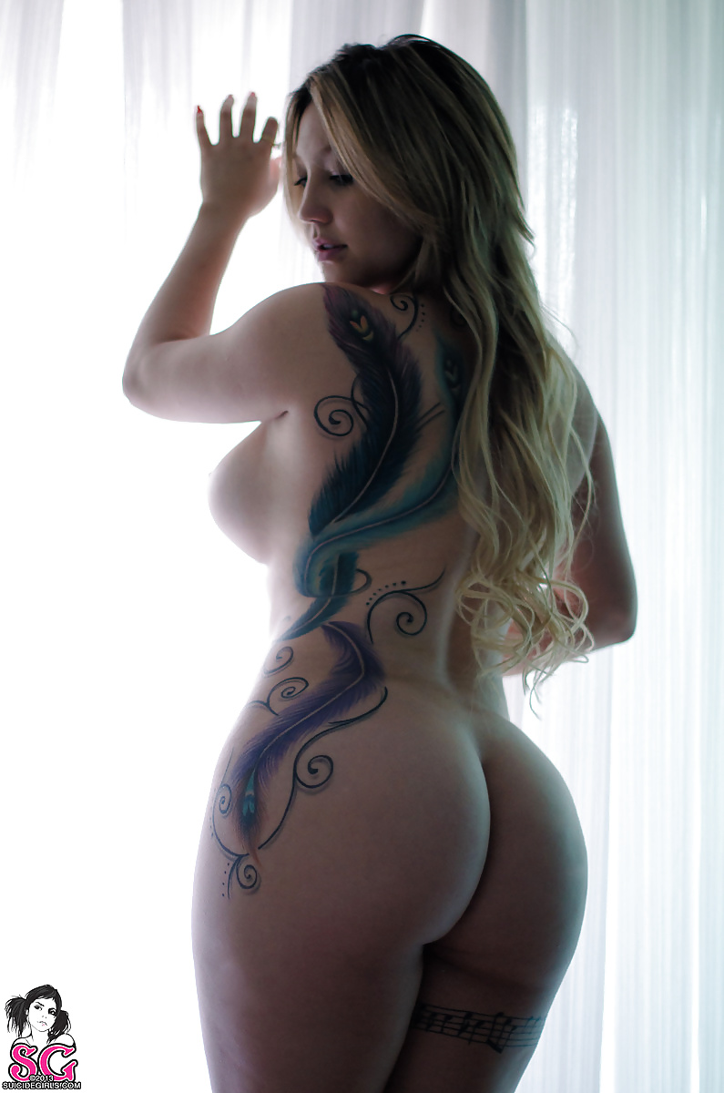 Mays naked big booty chick with tattoos