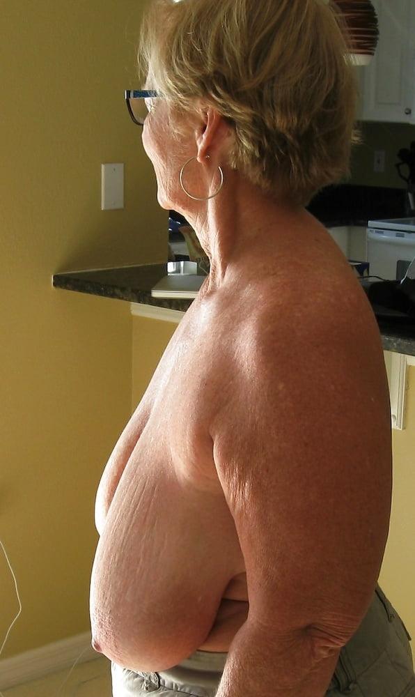 Naked female bodybuilder pics