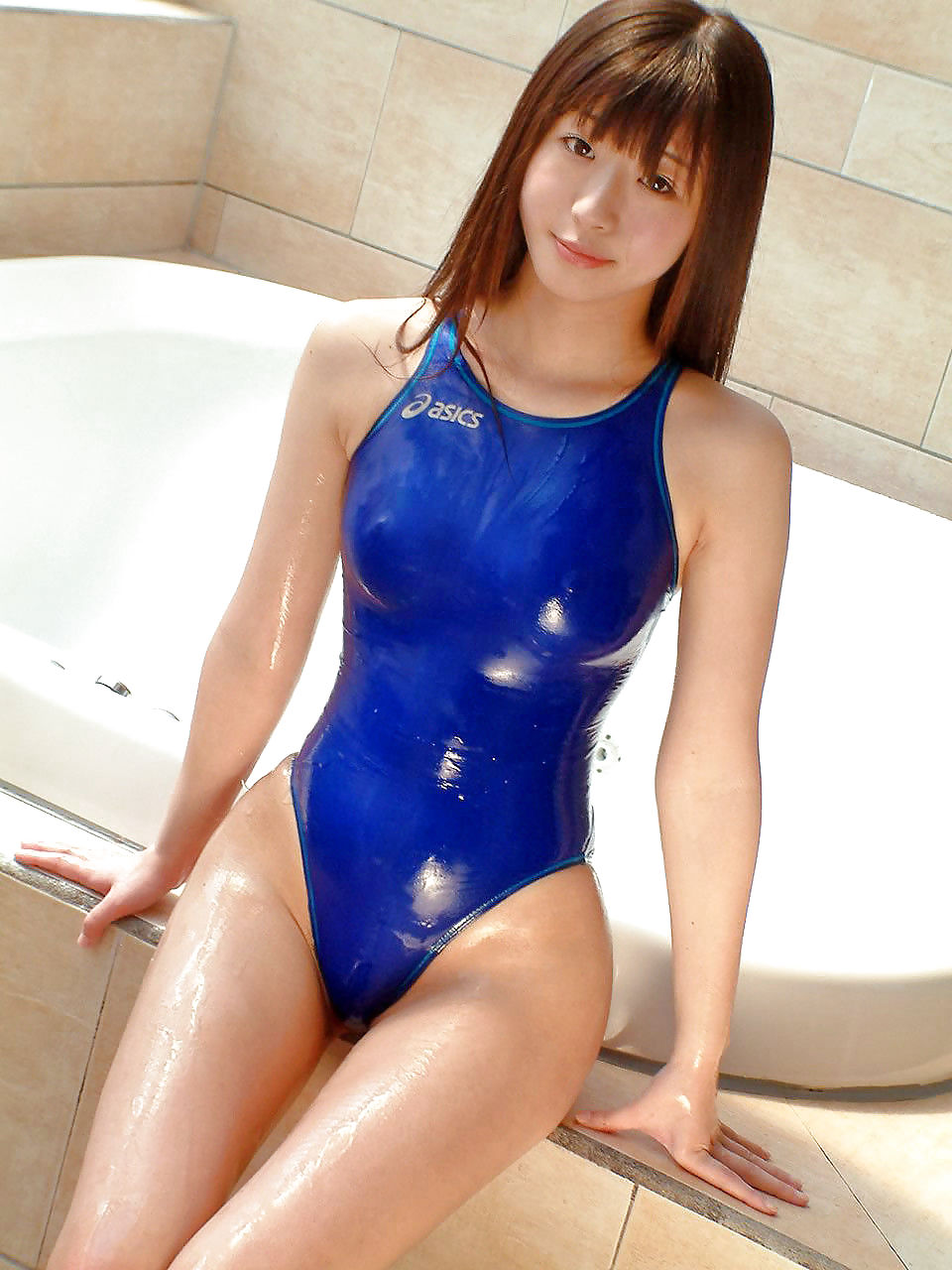 Asian Babe And Wet Pussy