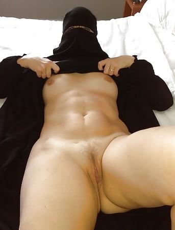 Nude burka Arab In