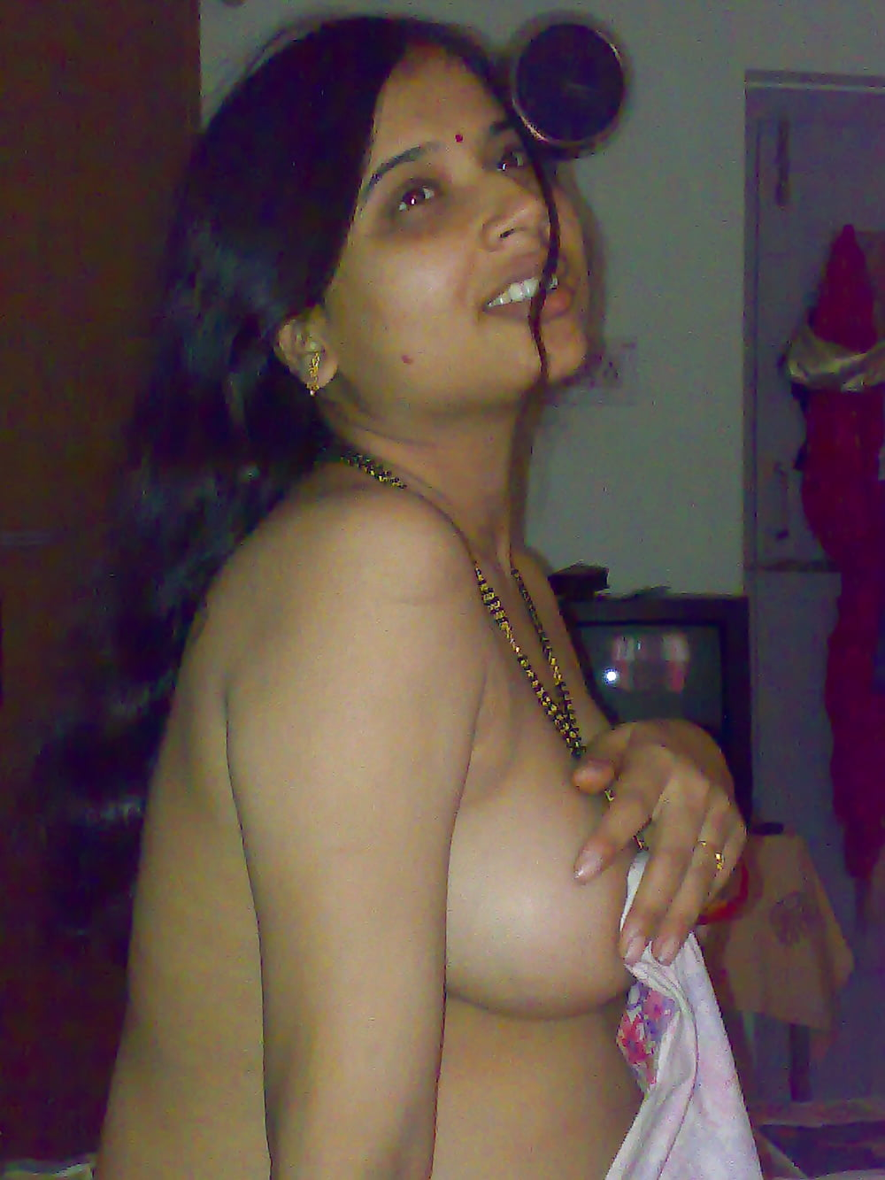naked-cute-bhabhi