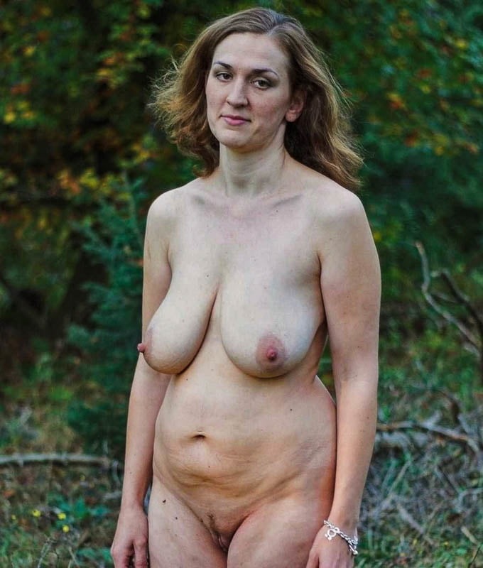 Saggy mother naked