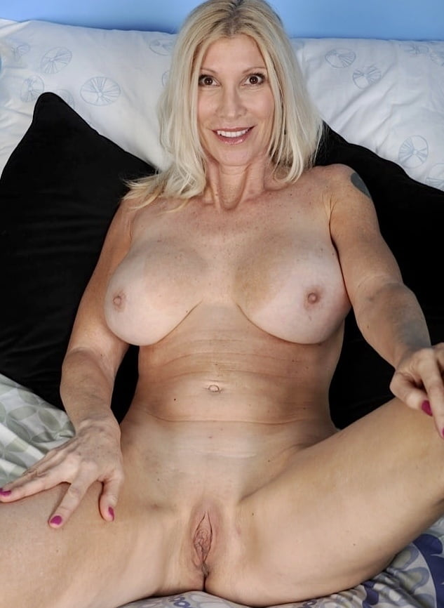 Search Pics Young Ash Blonde Milf