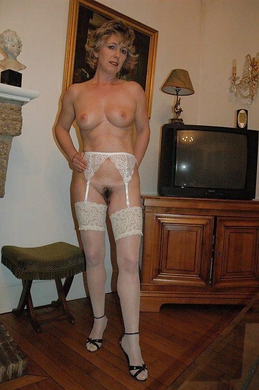Mature women pegging men-4394