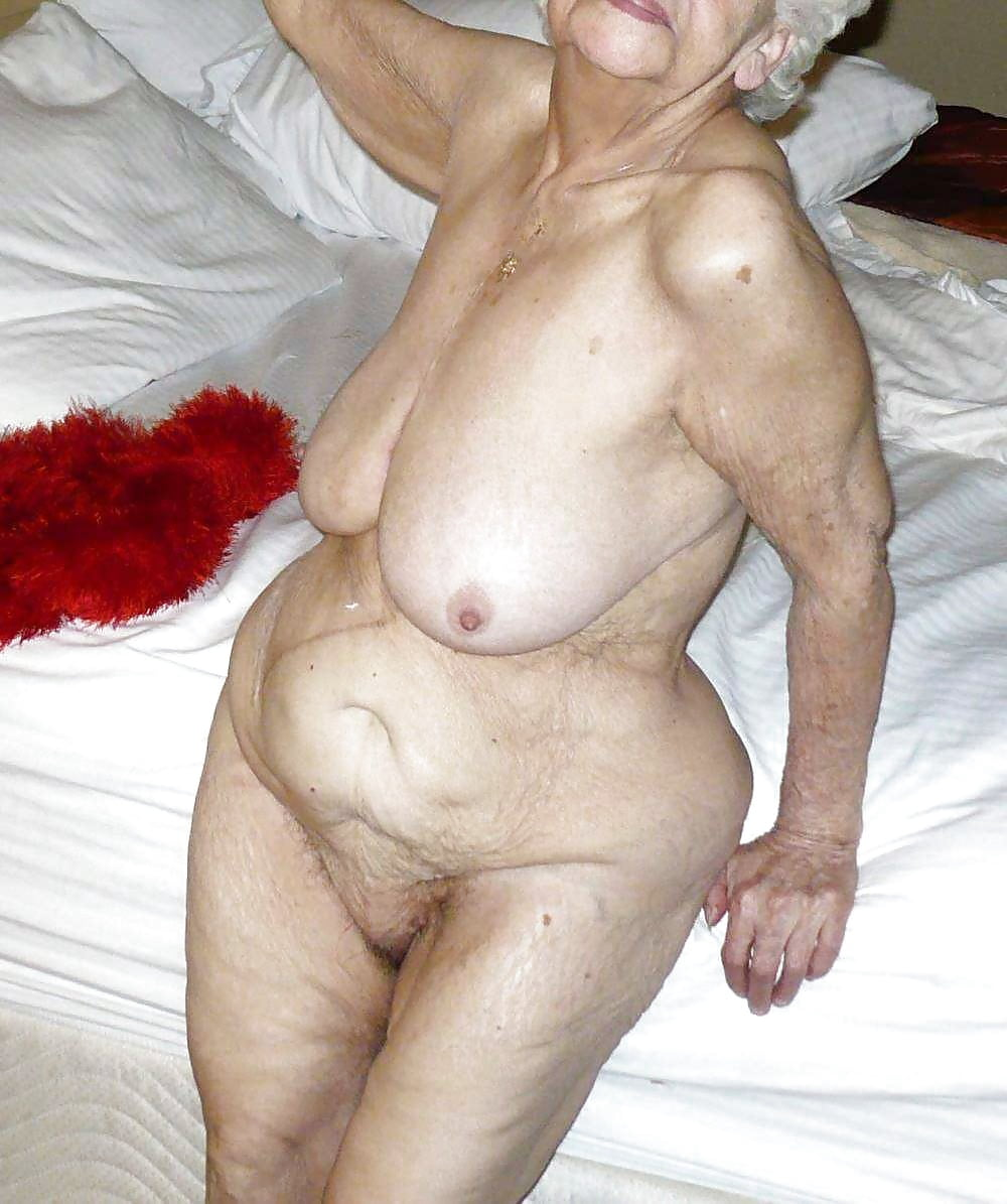 michelle-fakes-pics-of-very-old-ladies-naked