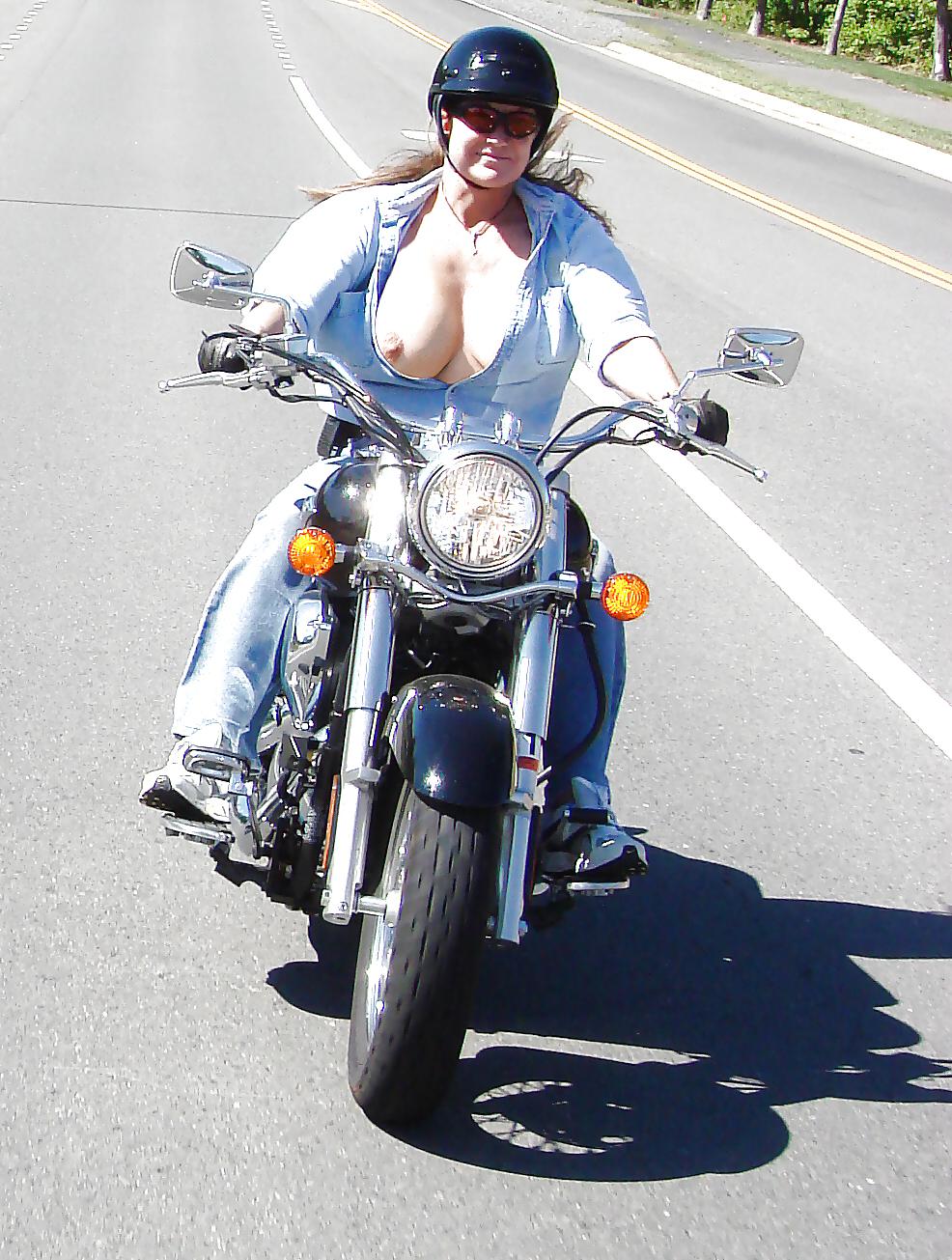 Amature sex bike boob pic