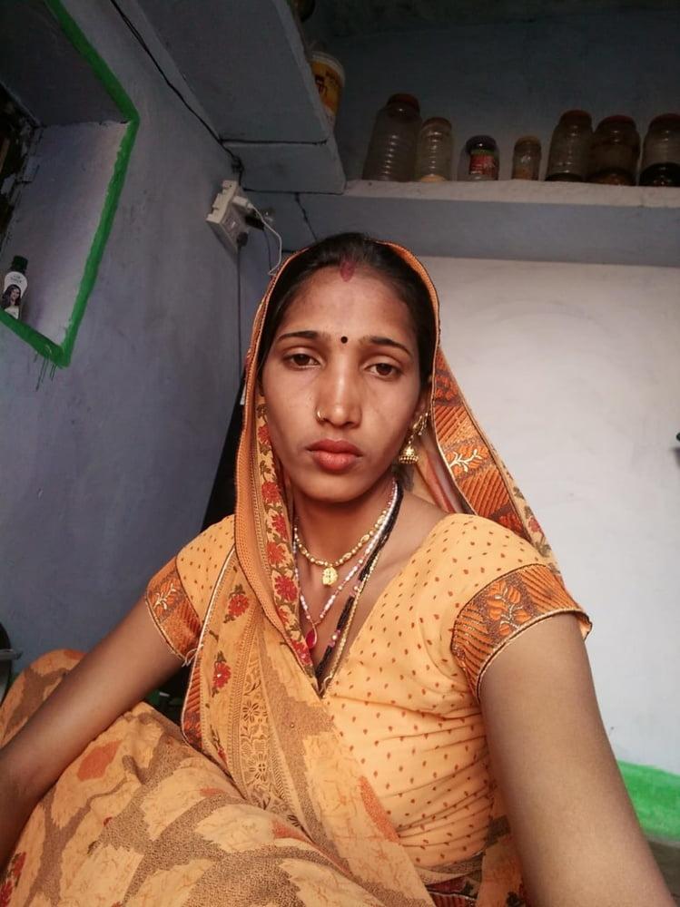 Desi Bhabhi Some Nude Pic - 12 Pics