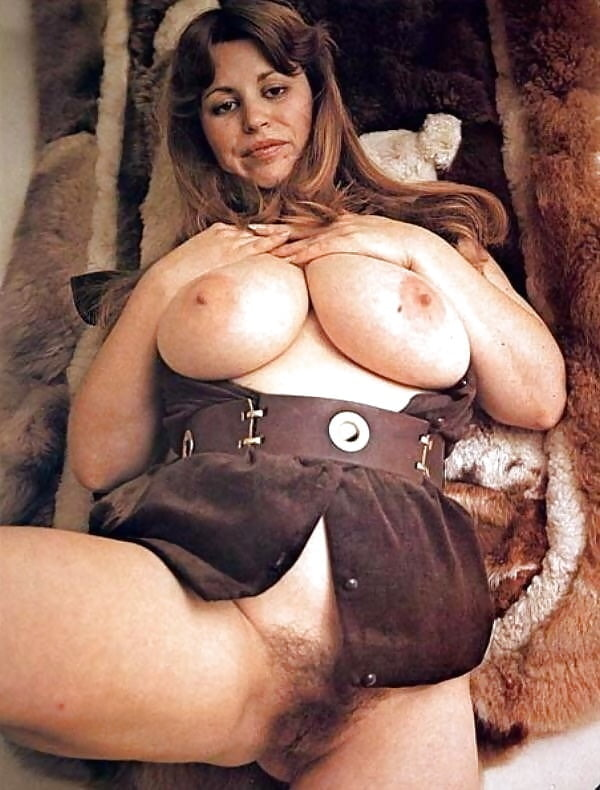 Retro vintage big boobs