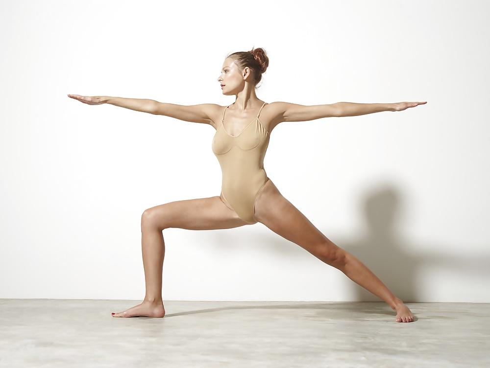 Naked Ballet Dancer In Exclusive Yoga Porn Performance