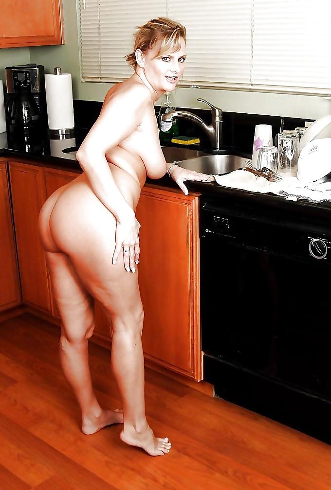 Sexy housewife chicks, angelina jolie fuck ass porn