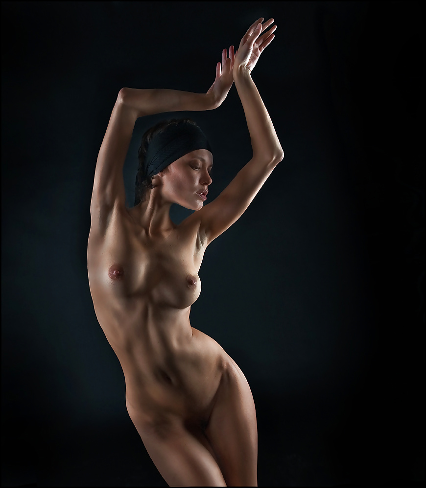 Sexual nude dancing girl esadeol