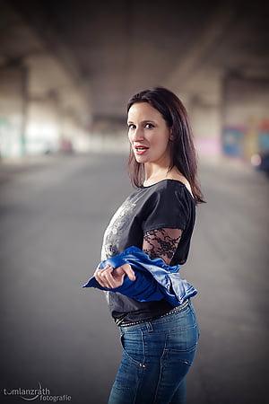 Laura Di Salvo  nackt