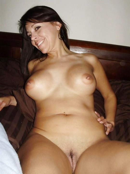 Cute latina milf nude — photo 4