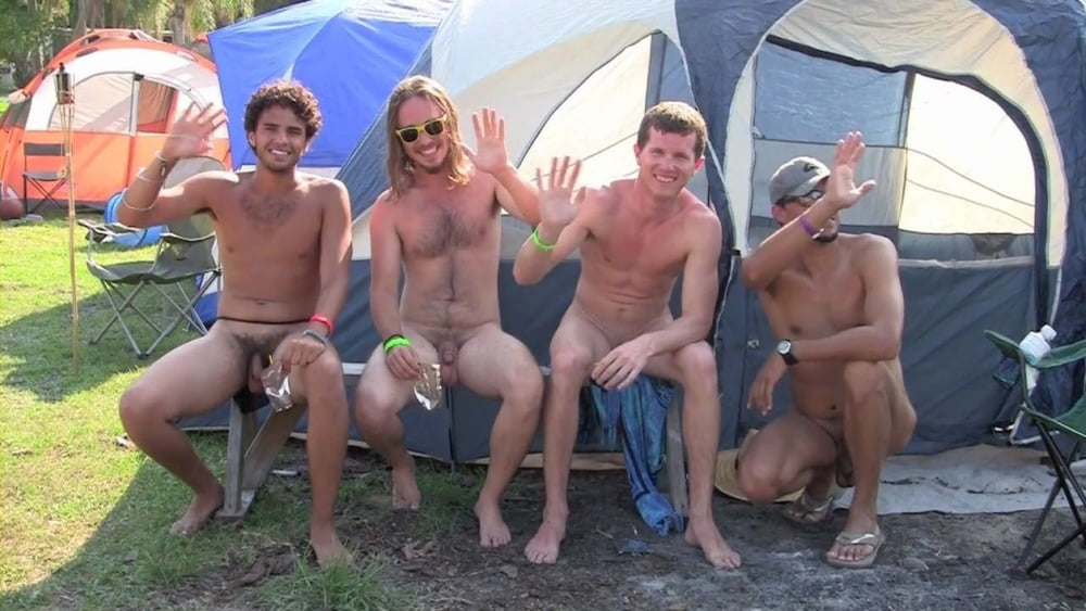 Sexy male campers — img 10