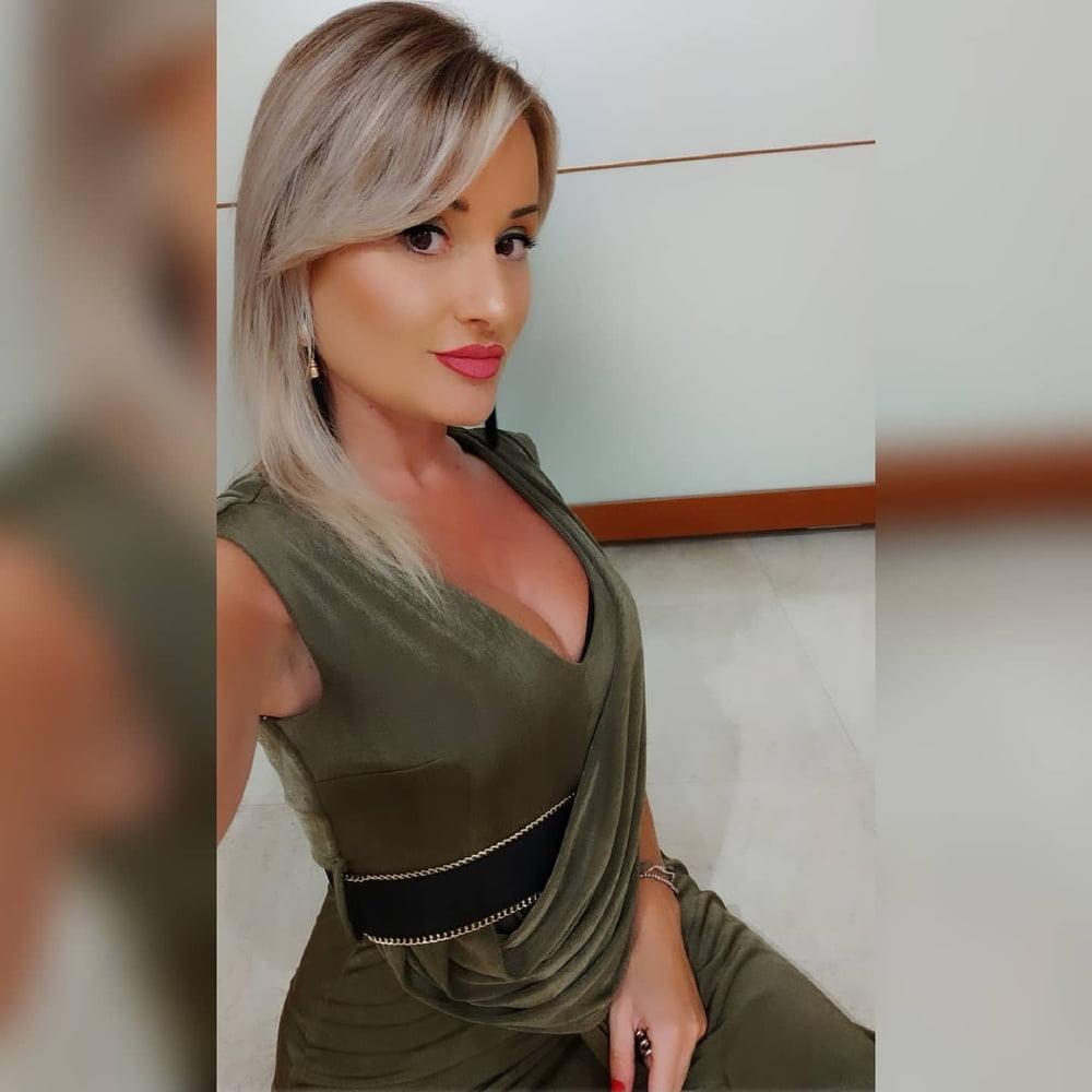 Jessica has big natural tits-1503