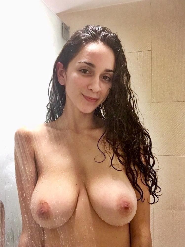 Voluptuous nude jewish women