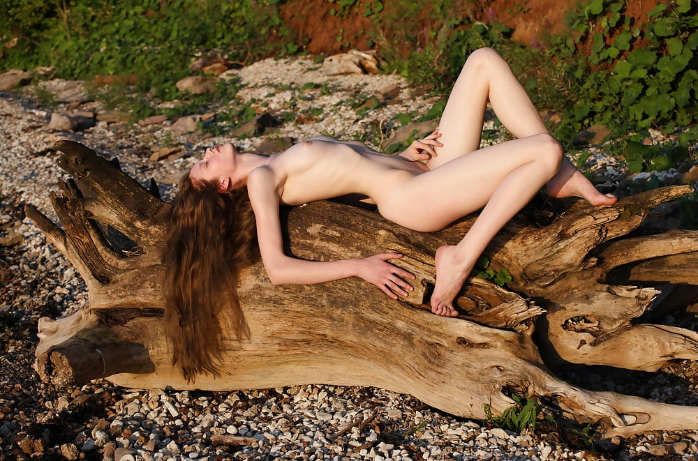 Celebrities who got naked on