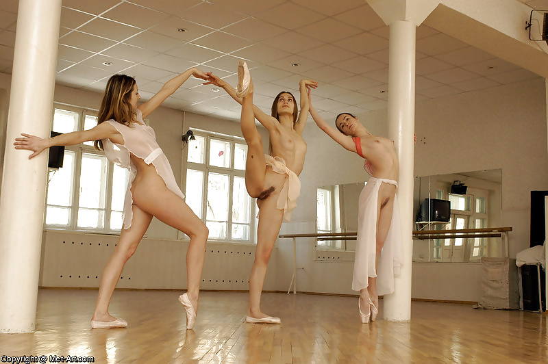 and-ugly-pussy-ballet-girls-lick