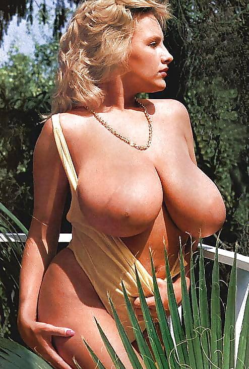 Free pics retro big tits females getting naked